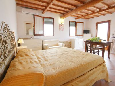 Photo for 1BR Apartment Vacation Rental in Colle di Val d'Elsa