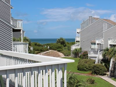 Photo for Gulfview, 2 Br/2 Ba, 1 Min. To Beach, Booking Spring & Summer Now!