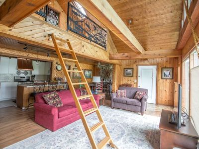 Photo for BLUE HERON LAKE COTTAGE at Lake of the Woods.