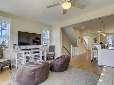 Photo for Brand New, Gorgeous 3-BR PLUS Den, 3.5-BA townhouse, sleeps 10, Wi-Fi, Pool