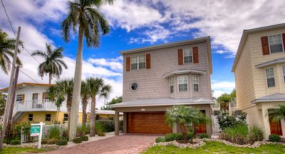 Two Minute Walk to the Gulf Beaches! Last Minute Winter Savings!