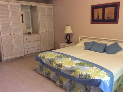 Photo for Air Conditioned 1 Bed near Dover Beach and The Gap