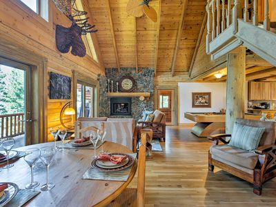 Photo for Well-Appointed Log Home w/ 5 En-suite Bedrooms!