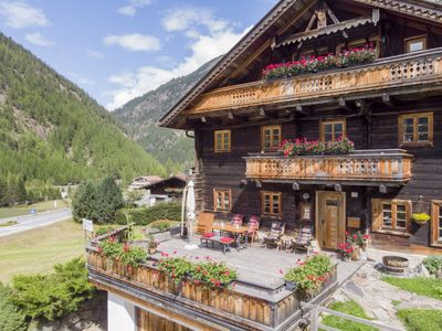 Photo for Apartment Beim Holzschnitzer in Sölden - 2 persons, 1 bedrooms
