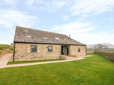 Photo for DALLICAR HOUSE, family friendly, with hot tub in Settle, Ref 985150