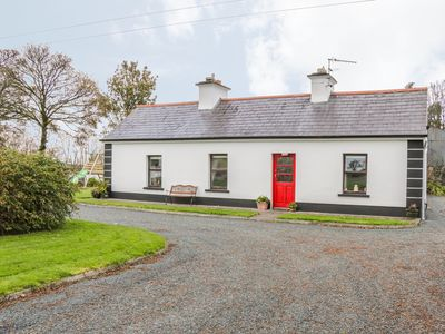 Photo for ROCKVIEW HOUSE, pet friendly in Charlestown, County Mayo, Ref 26099