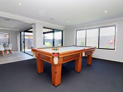 Photo for Serenity on Currawong - Pool table, Putt Putt, Theatre Room, WiFi, Linen, xbox
