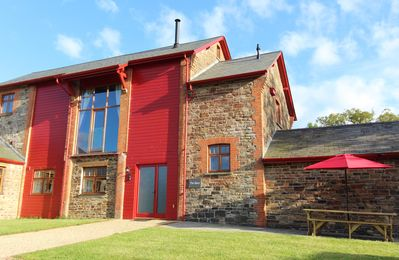 Photo for Beautifully converted barn with log burner, WiFi, views and modern facilities