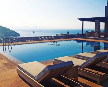 Photo for Luxurious and stylish villa with a large swimming pool and amazing sea view.