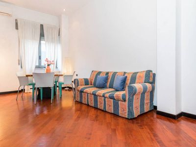 Photo for Spacious Sant'Agostino Family apartment in Navigli with WiFi, air conditioning & lift.