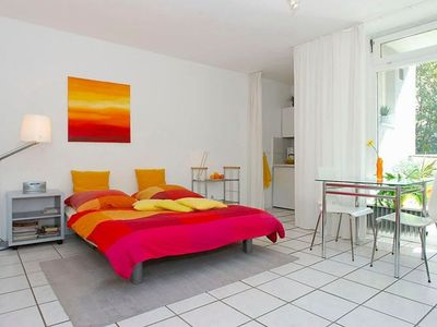 Photo for Nollendorfplatz Balkon 001 apartment in Schöneberg with WiFi, balcony & lift.