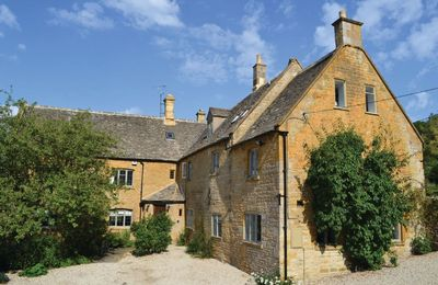 Photo for An imposing 17th Century Farmhouse with a wealth of character features throughout near Broadway.