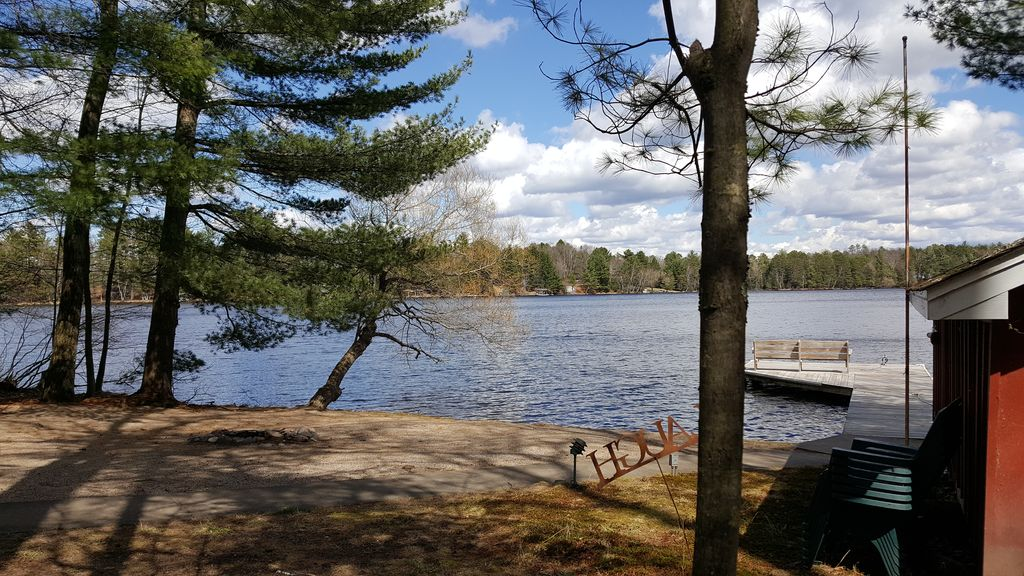Ripple Sand Frontage ~ Eagle River Chain of Lakes ~ Includes Kayaks! -  Eagle River
