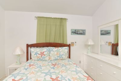 King size bed in Plumbago