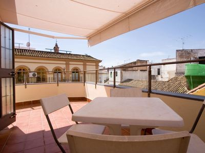 Photo for Menjibar apartment in Casco Antiguo with WiFi, integrated air conditioning (hot / cold), private pa…