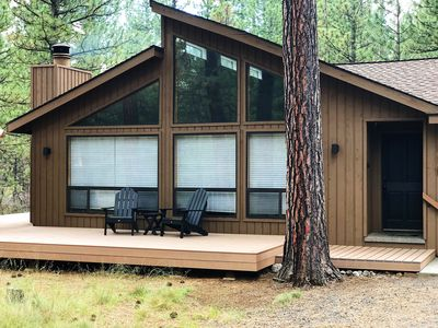 Photo for 3 BR Home, 1 Block to Glaze Meadow Rec Complex, Hot Tub, dog-friendly