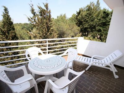 Photo for One bedroom apartment with terrace and sea view Mandre (Pag)