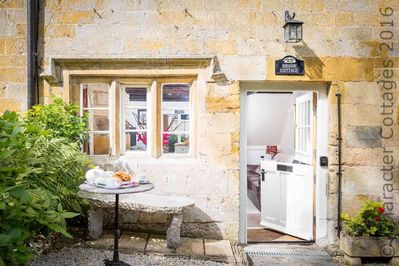 A stunning place to enjoy a break in the Cotswolds!