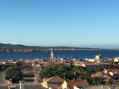 Photo for Apartment 4 people, center, port and beach walk, 180 ° panoramic sea view