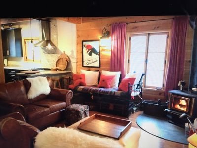 Photo for Stylish Log Chalet w Hottub, Minutes to Blue Mountain Village