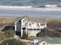 Wonderful house and on the ocean......great beach and access.