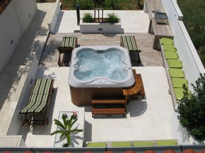 Photo for Holiday house with Jacuzzi and air conditioning