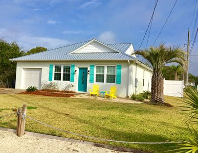 Private HEATED POOL!  Free golf cart!! 1 block to the beach! *Quiet west end*