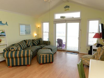 Photo for Oceanfront classic beach cottage with spacious layout - 481