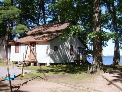 Photo for Bay View Resort - 4 Bdrm Cottages - Lakefield