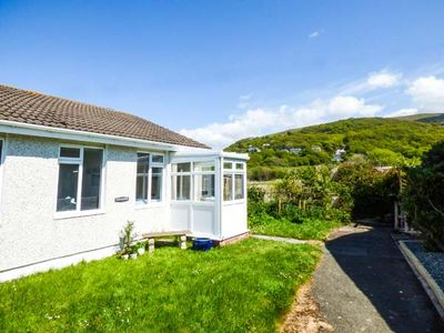 Photo for MERRIVALE, pet friendly, with a garden in Fairbourne, Ref 922259