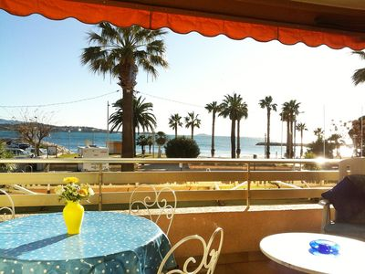 Photo for T2 54m2 apartment on the seafront in Bandol, close to beach and center!