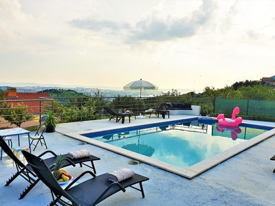 Photo for Holiday House App Grace with pool and view in Klis