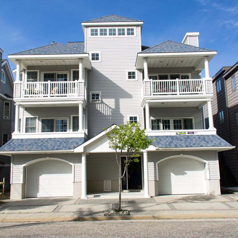 Beach Houses For Rent In Ocean City: One House From Beach On 3rd Street With Oce...