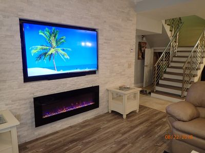 Photo for Luxury Gulf Condo 3BR 3BA w/ Penthouse Jacuzzi! Newly Renovated! Steps to Beach!