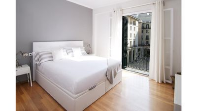 Photo for Quo I Plaza Del Ayuntamiento Apartament