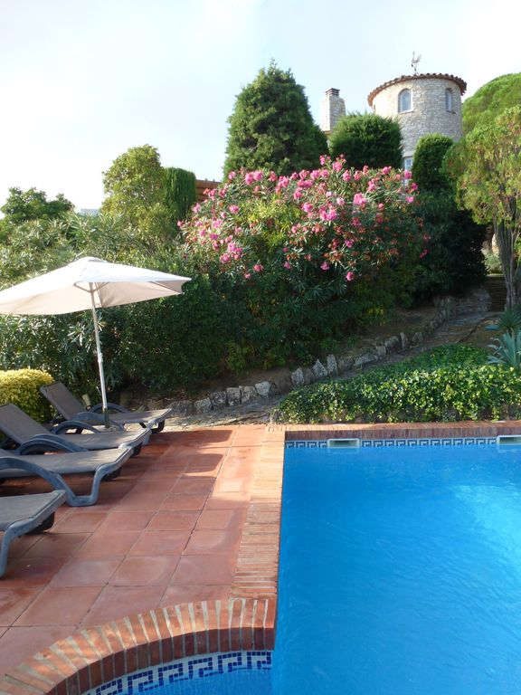 Begur House Rental   Private Pool With Mature Gardens And A Beautiful House