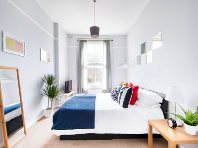 Photo for Stunning Town House near to Kings Cross St Pancras