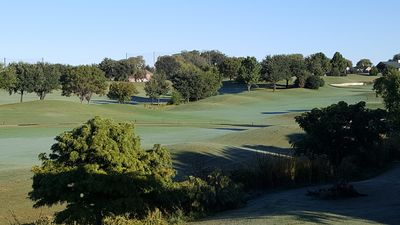 Photo for Golf course home for work & vacation / Close to highways & business