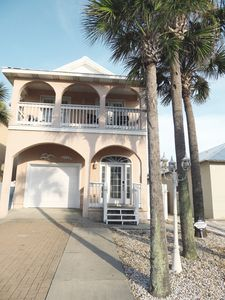 Photo for Beautifully decorated house just steps from Panama City's Emerald Ocean w/pool