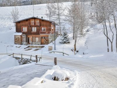 Photo for Valmorel: Large chalet 13 p. near the slopes.