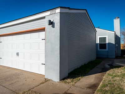 Photo for NEWLY REMODELED!!! Just a few minutes to UCO!!!