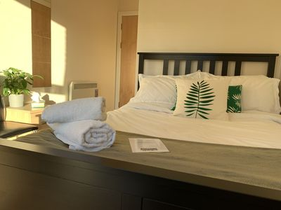 Photo for Bright Central En-Suite Room only