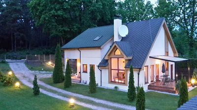 3 BEDROOM 2 BATHROOM, FULL LOUNGE AND KITCHEN , COVERED PATIO , OPTIONAL SAUNA