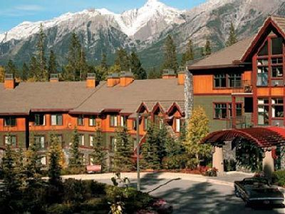 Photo for Summer Week (Aug 3 -10, 2019) - Grand Canadian Resort - 30 min to Banff - Sleeps 8