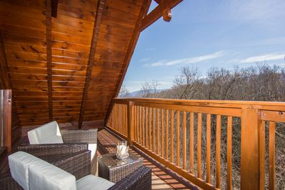 MOUNTAIN COVE CABIN- LUXURY, PET FRIENDLY CABIN- POOL TABLE/HOT TUB/FIRE  PIT - Chalet Village