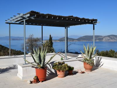 Photo for Renovated cottage with garden, 120m², 1km from sea, grand view,