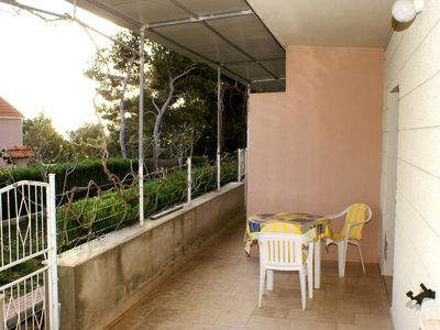 Photo for One bedroom apartment with terrace and sea view Zavalatica (Korčula) (A-4339-f)