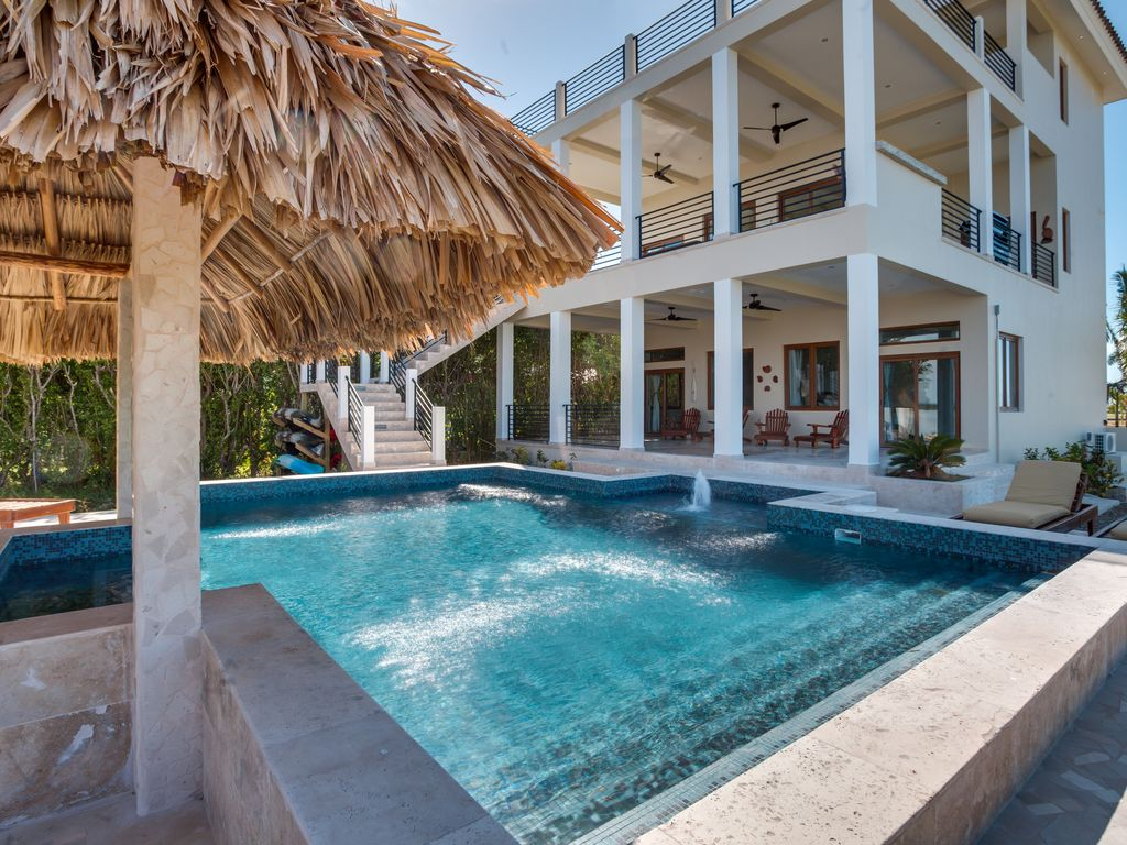 4 Bedroom, 4 Bath Water Front Property with... - VRBO