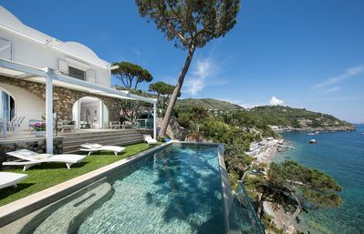 Photo for Villa Ibiscus with Infinity Pool, Direct Sea Access, Sea View, Parking and Breakfast