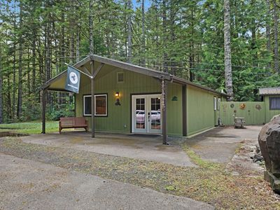 Photo for NEW LISTING! Cozy & comfortable home w/ large deck & firepit - dogs welcome!